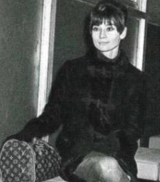Aubrey Hepburn Holding a Keepall