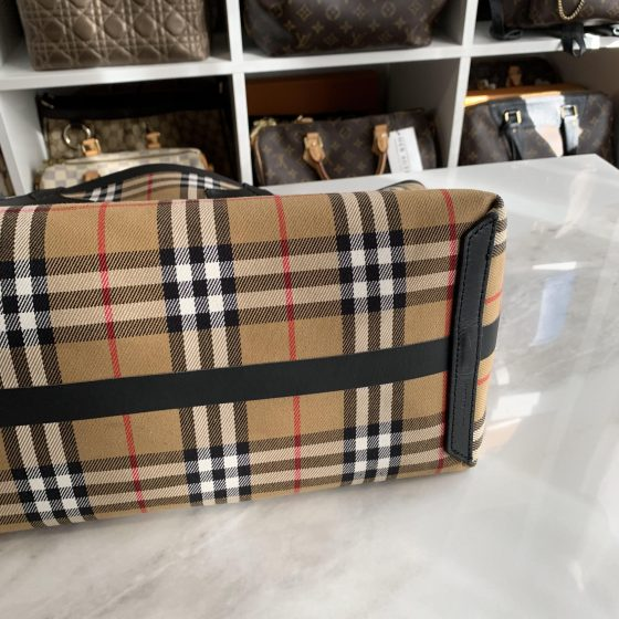 Burberry Vintage Check Medium The Giant Reversible Tote