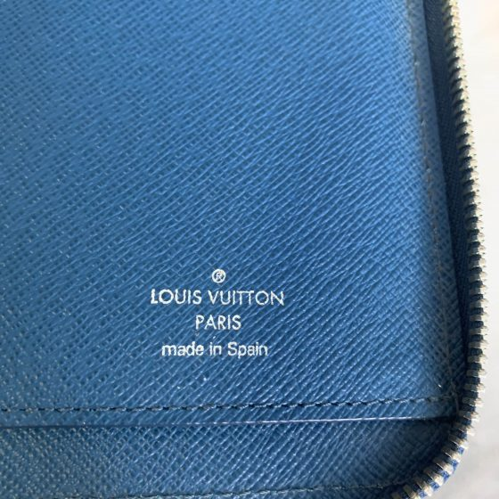 Louis Vuitton Epi Zippy Vertical Wallet