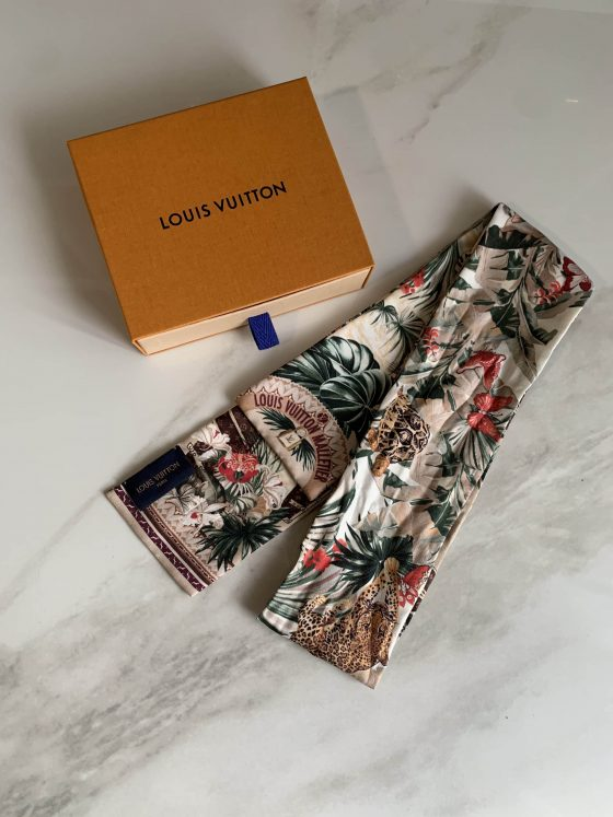 Louis Vuitton Voyage Extraordinaire Bandeau Beige