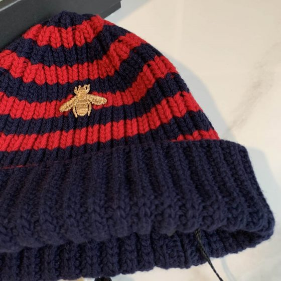 Gucci Red and Blue Striped Bee Beanie Size Medium