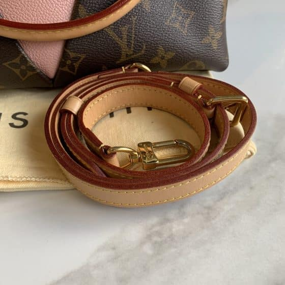 Louis Vuitton Monogram V Tote BB Rose Poudre