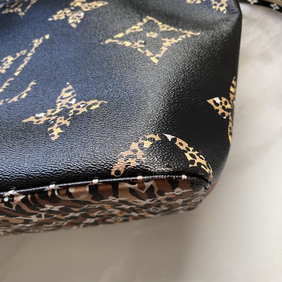 Louis Vuitton Monogram Giant Jungle Neverfull MM Black